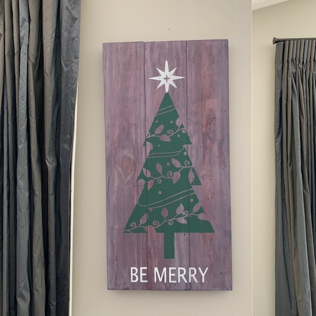 Make a Personalised Wooden Sign - Wooden Xmas Tree sign by Michelle Widdows